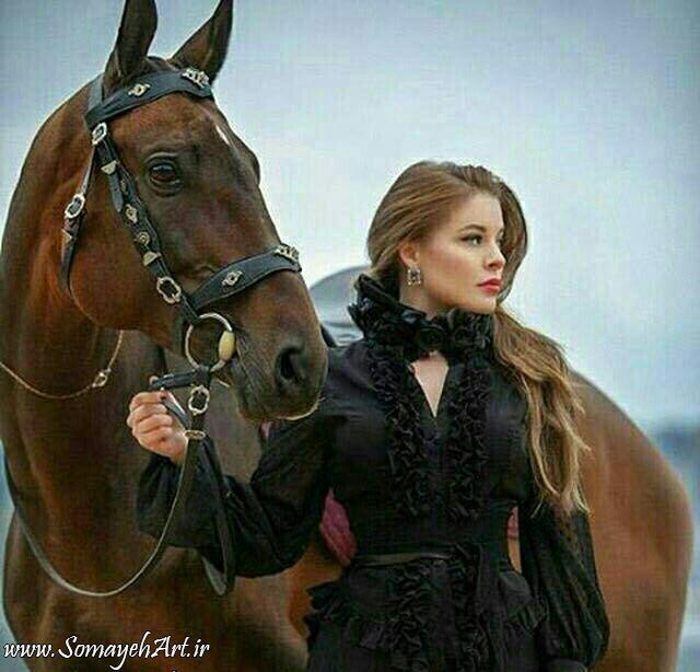 مدل نقاشی زن به همراه اسب مدل نقاشی زن به همراه اسب