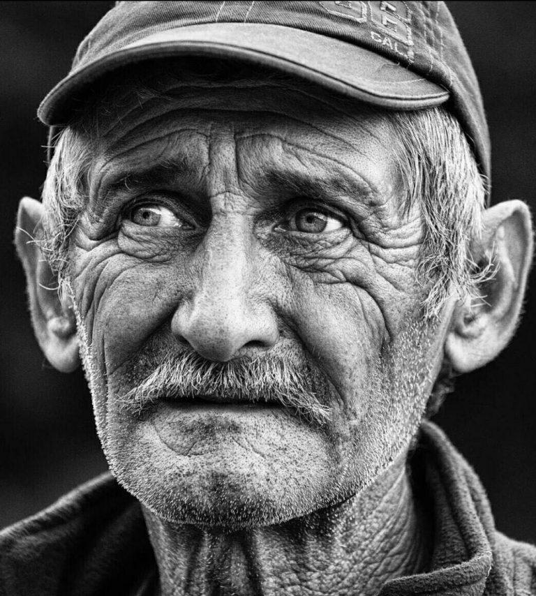 مدل نقاشی پیرمرد مدل نقاشی پیرمرد photo 2018 06 30 23 29 59 768x854