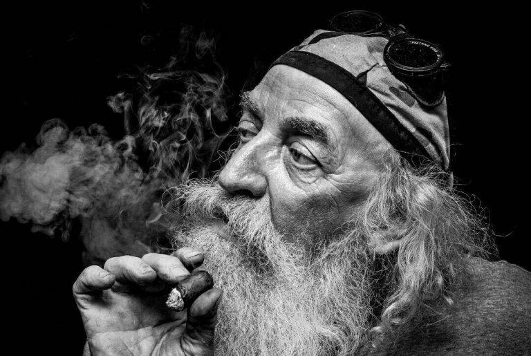 مدل نقاشی پیرمرد مدل نقاشی پیرمرد photo 2018 06 30 23 30 07 768x515