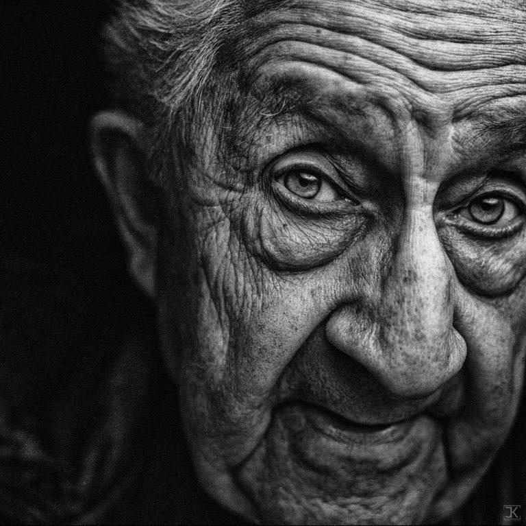 مدل نقاشی پیرمرد سیاه قلم مدل نقاشی چهره پیرمرد سیاه قلم مدل نقاشی چهره پیرمرد سیاه قلم                                                768x767