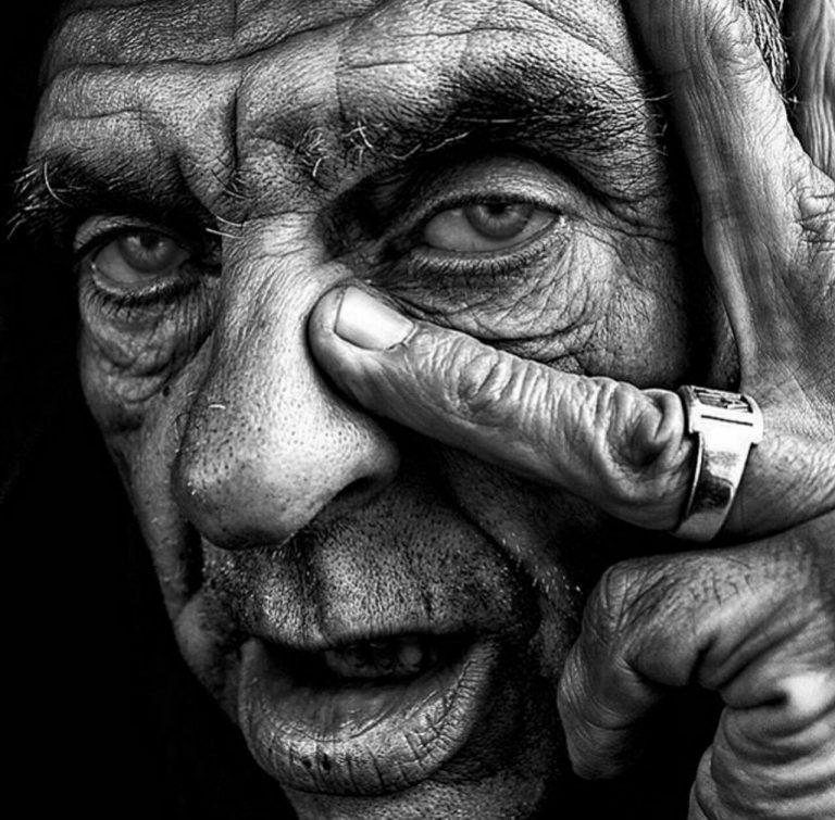 مدل نقاشی چهره پیرمرد سیاه قلم مدل نقاشی چهره پیرمرد سیاه قلم photo 2018 07 06 22 07 29 768x755