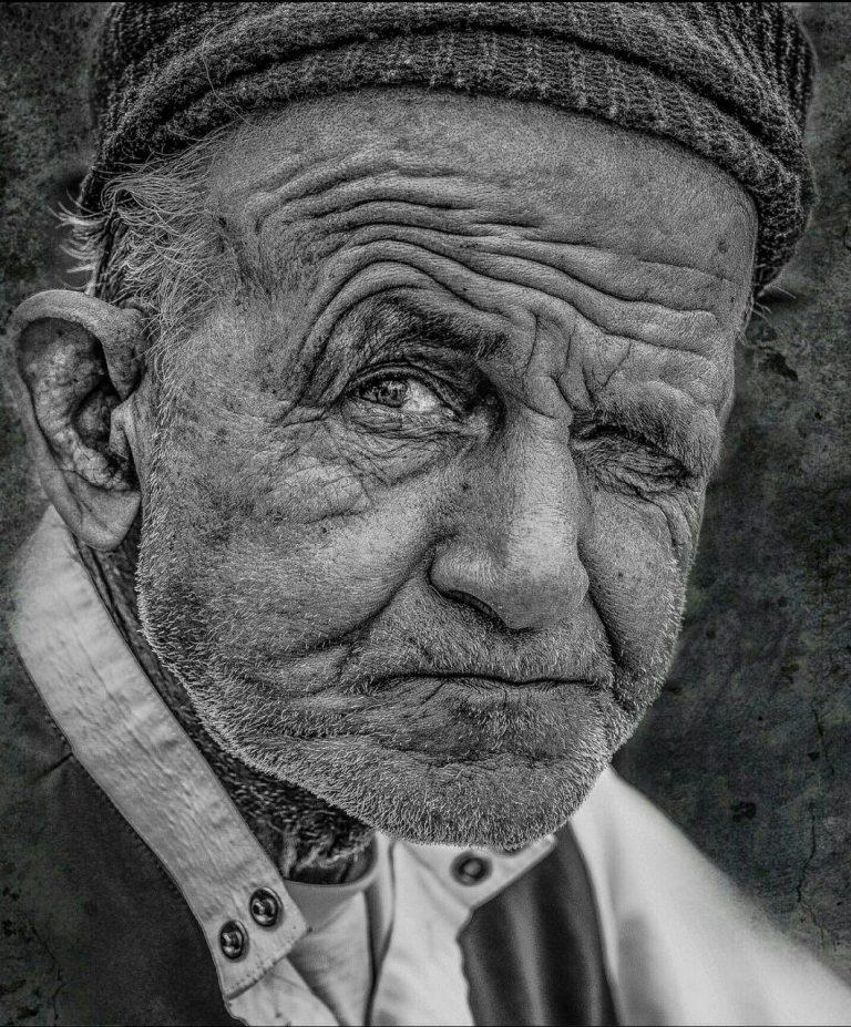 مدل نقاشی چهره پیرمرد سیاه قلم مدل نقاشی چهره پیرمرد سیاه قلم photo 2018 07 06 22 07 31 768x927